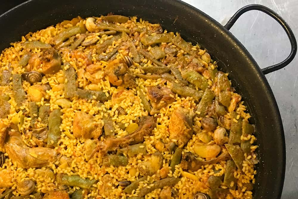 WHAT IS REAL PAELLA? DO YOU REALLY KNOW?