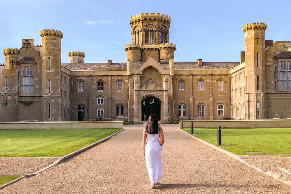STAYING IN AN ENGLISH CASTLE - WHAT IS IT LIKE?