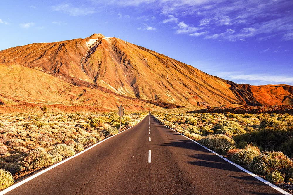 6 INCREDIBLE ROAD TRIPS YOU NEED TO ADD TO YOUR BUCKET LIST